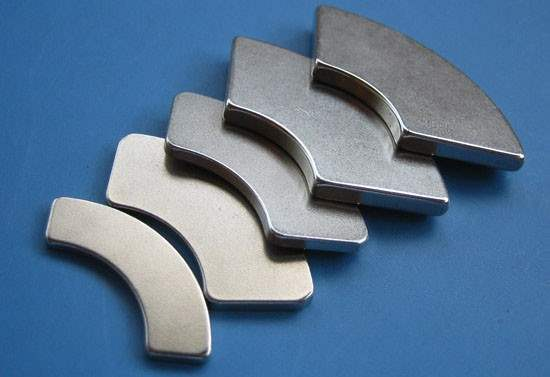 arc wedge magnets