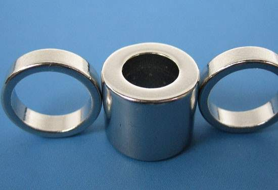 large neodymium ring magnets